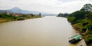 Dienvidaustrumu Azijas lielaka upe Mekonga, Pakse, Laosa