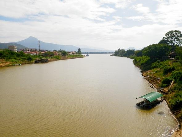 Esi sveicināta, Laosa!
