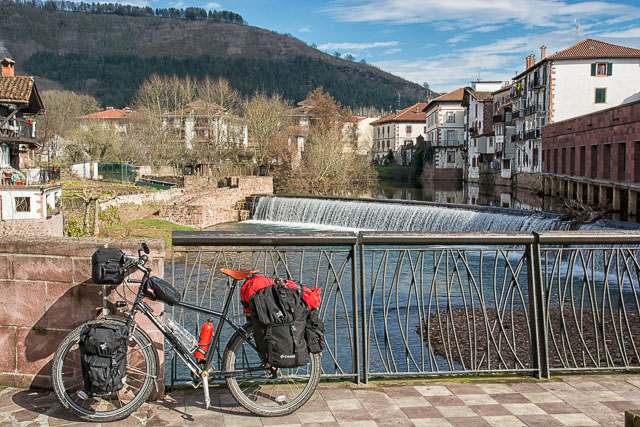 Bicycle touring in Elizondo